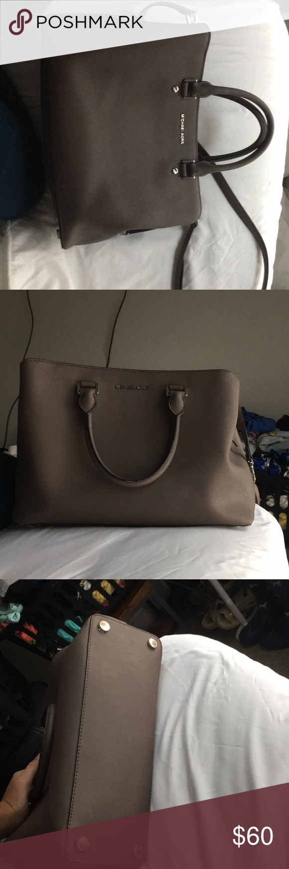 623b7a30b9ae Michael Kors medium/Large size purse Had this purse for maybe two years and  I