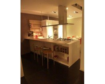 Cucina Snaidero Orange in bianco lucido monolaccato e piano snack e ...