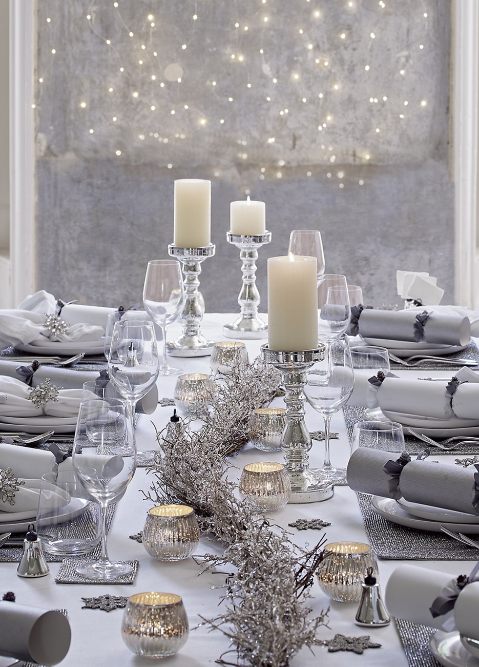 The White Company Holiday Entertaining White Christmas Decor Silver Christmas Decorations Christmas Table Settings