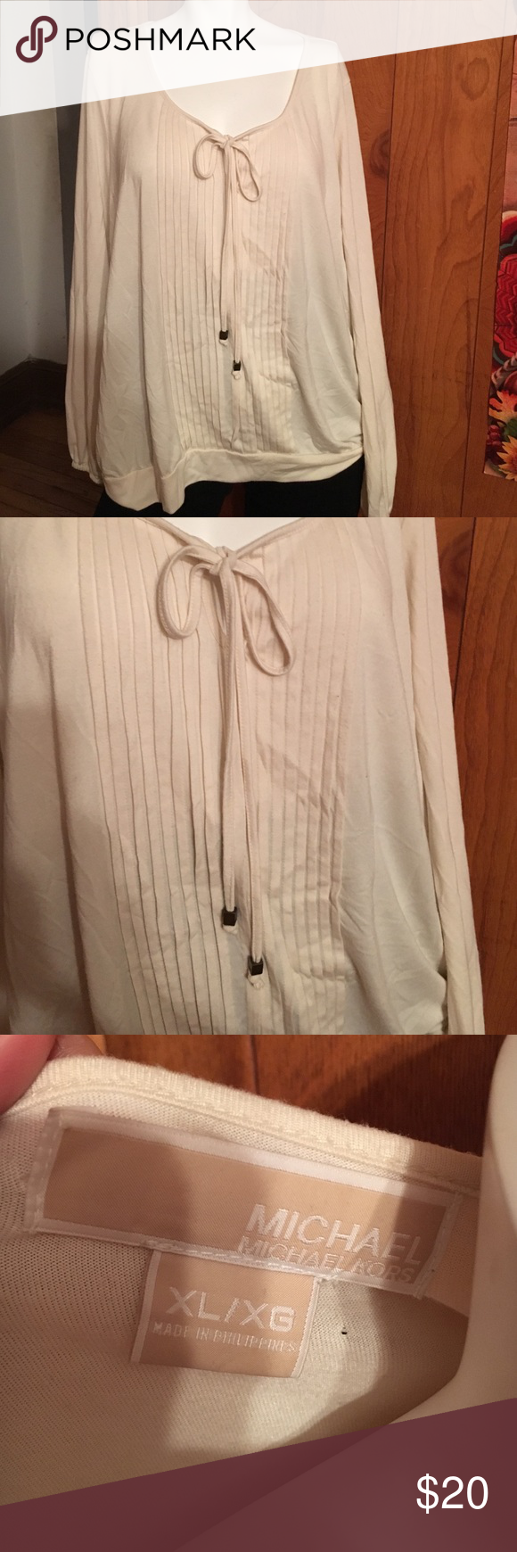Michael Kors top. In great shape..open to offers. Smoke free pet free home 😊 MICHAEL Michael Kors Tops