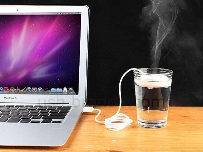 USB Doughnut Humidifier floats on it's own water source