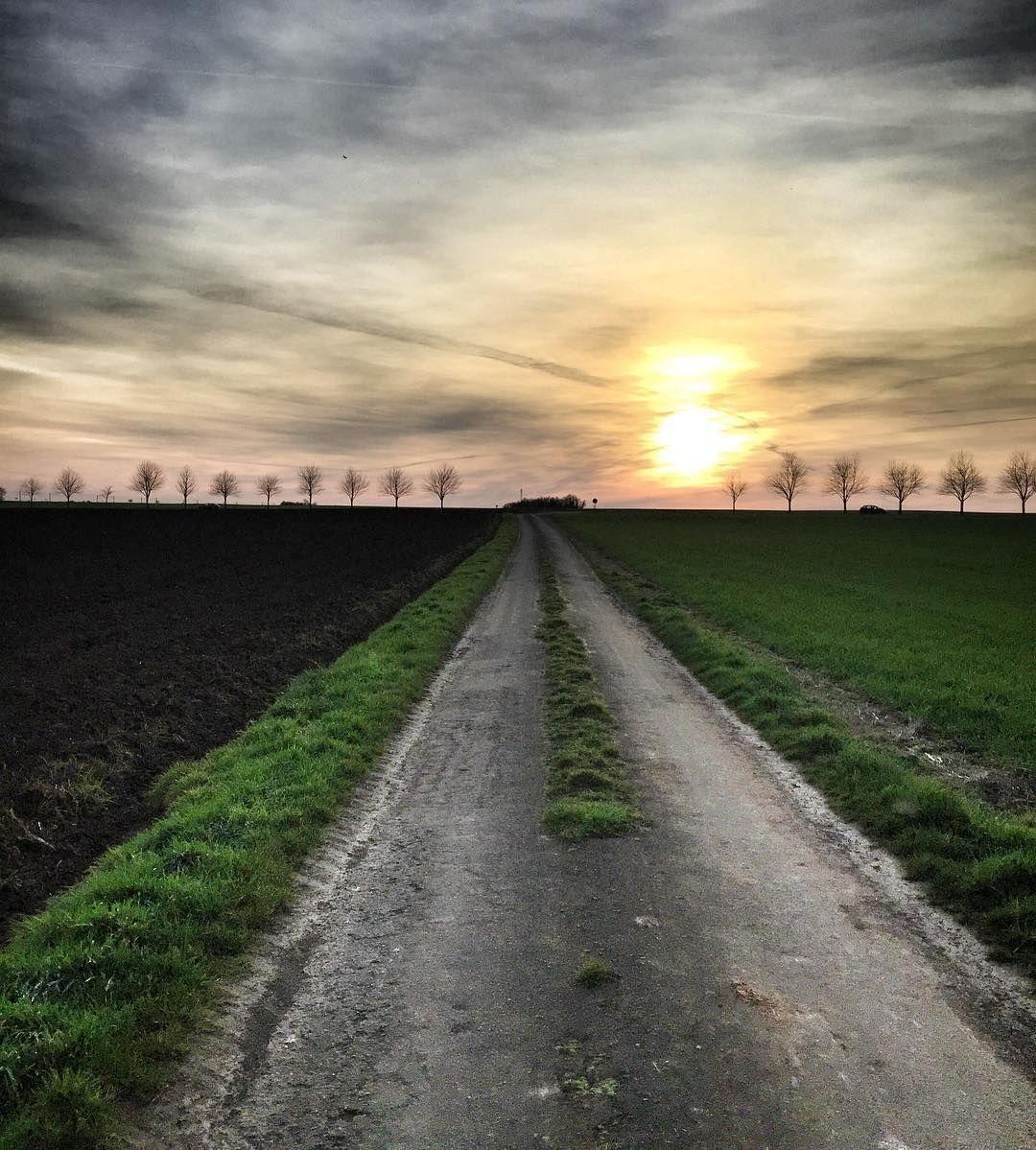 Double soleil. #igersfrance #igersniort #sunset #deuxsevres #jaimelafrance #découvrirensemble