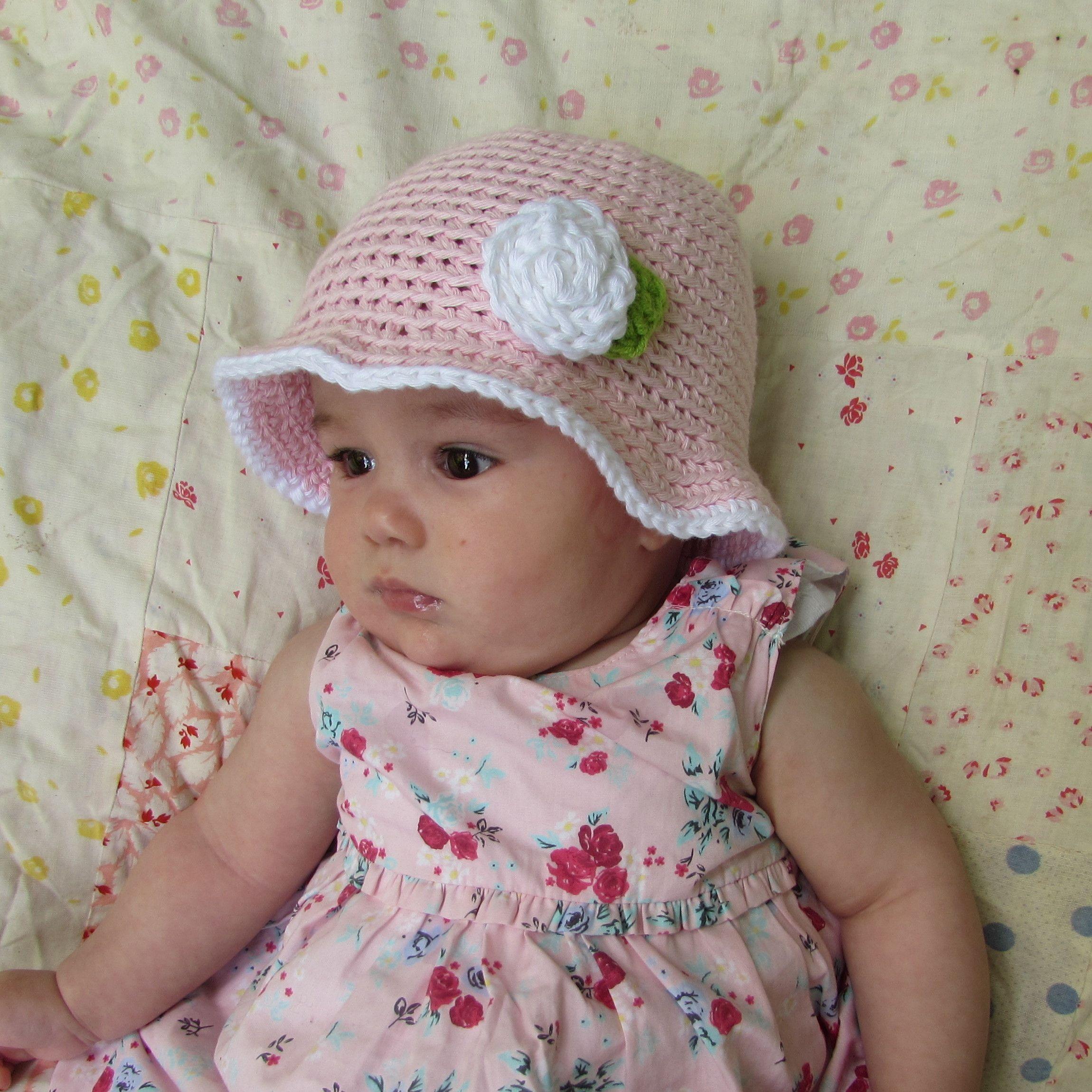 7d024983004bd Gorro bebé de verano rosa claro con flor en algodón de 5 a 12 meses ...