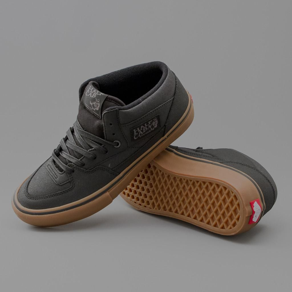 VANS | HALF CAB PRO SHOES (BLACK/GUM)