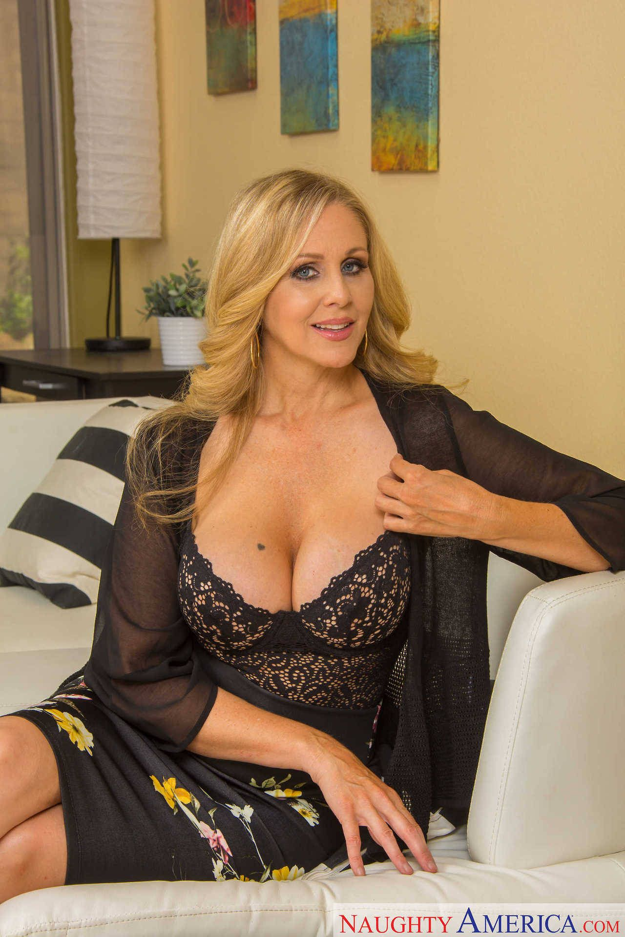 beautiful babes universe — oileduppornstars: mature porn mommy julia