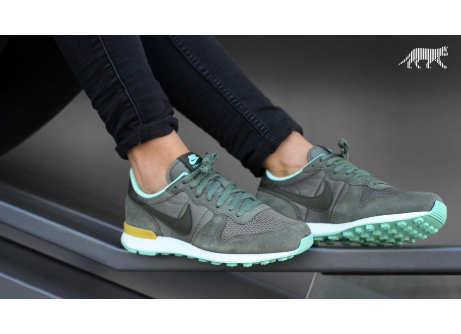 new style 8bada c09a4 ... nike wmns internationalist (iron green cargo khaki gold lead medium mint)  ...