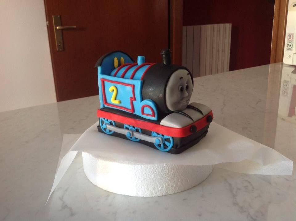 Trenino thomas pdz decorazioni in pasta di zucchero for Decorazioni torte trenino thomas
