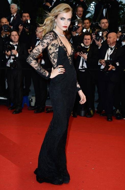 Cara Delevingne In A Lace Burberry Gown Nice Dresses Red Carpet Dresses Red Carpet Fashion