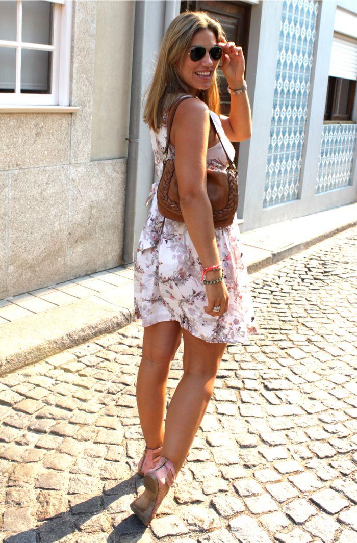 Que os parece el Look de Isis de La Traficante de Zapatos? es chulísimo!!! lleva varias de nuestras pulseras Mar Bcn que podrás conseguir en www.marbcn.com  No os podéis perder el Post