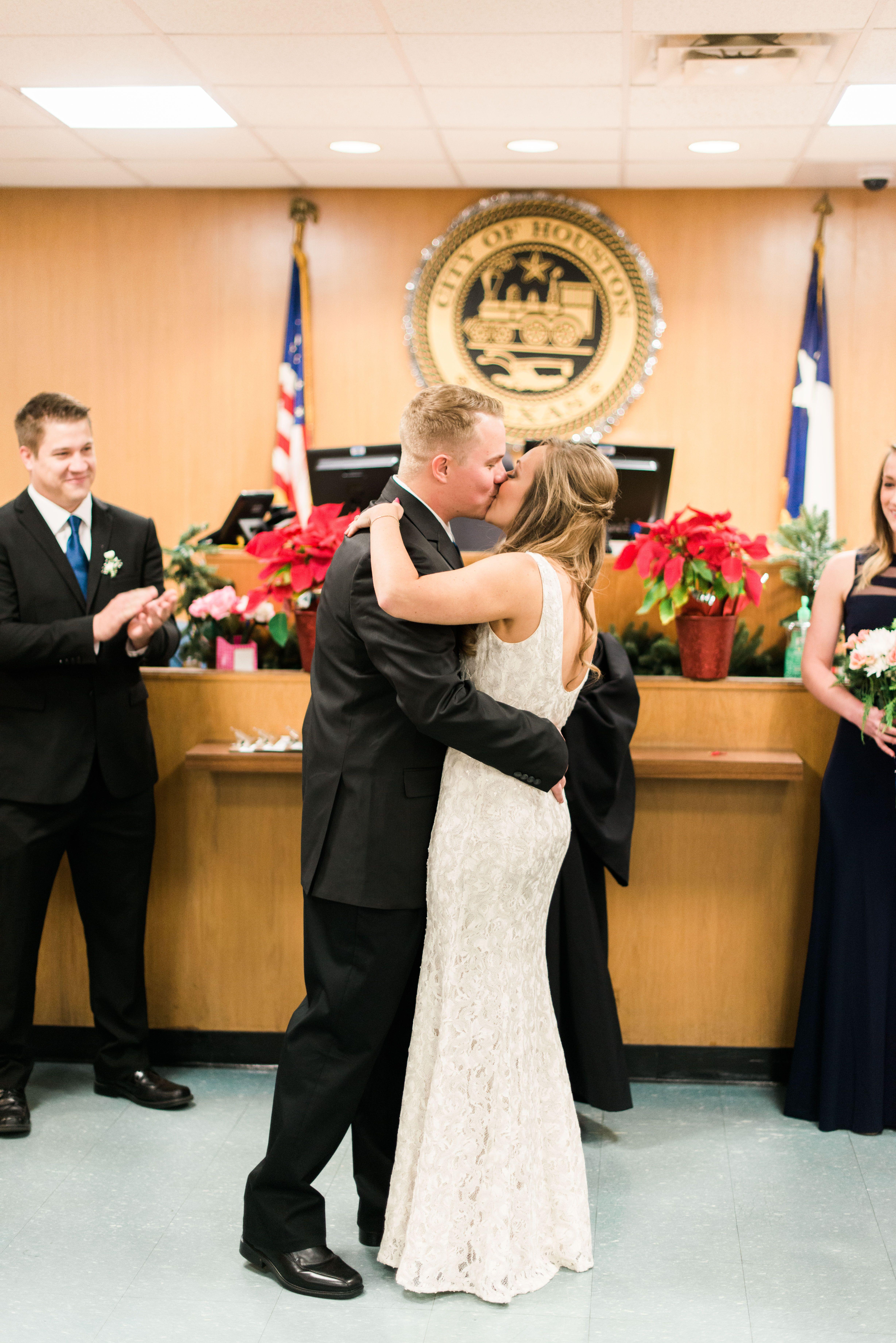 1400 Lubbock Street Houston Tx Courthouse Wedding No Stress Low Budget Photos Courtney Leigh Photography Www Courtneyleighphoto