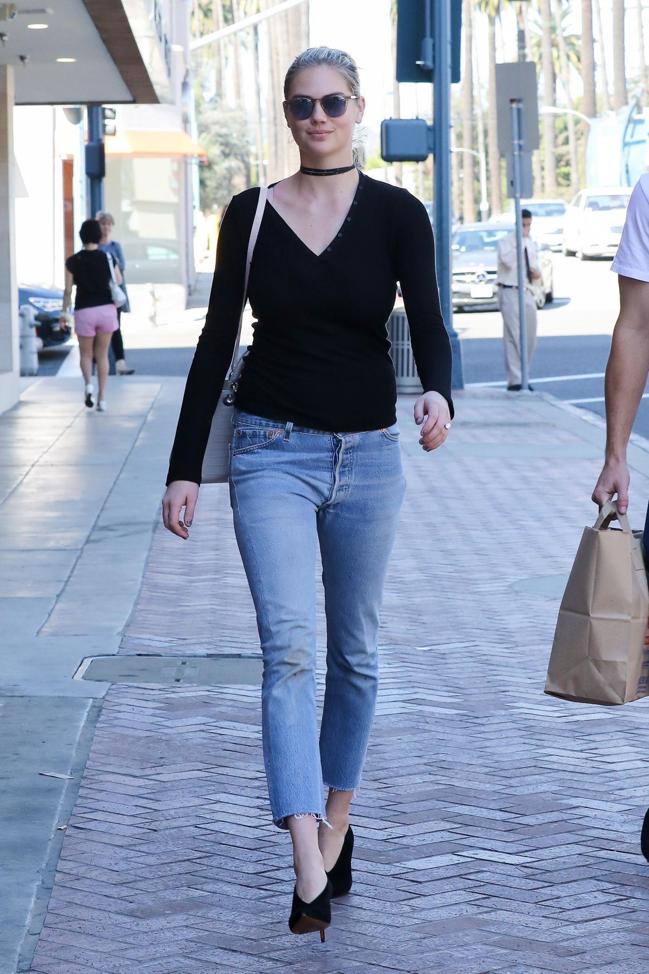 Inez Busty Cheap kate-upton-casual-style-spotted-at-a-rite-aid-pharmacy-in-beverly