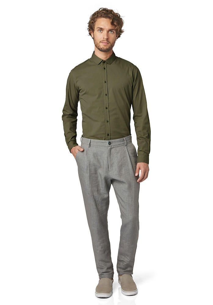 In dieser Hemd Farbe sieht jeder Herbstyp Mann aus wie ein Männermodel! Langarmhemd Slim Fit aus Bio-Baumwolle von hessnatur!