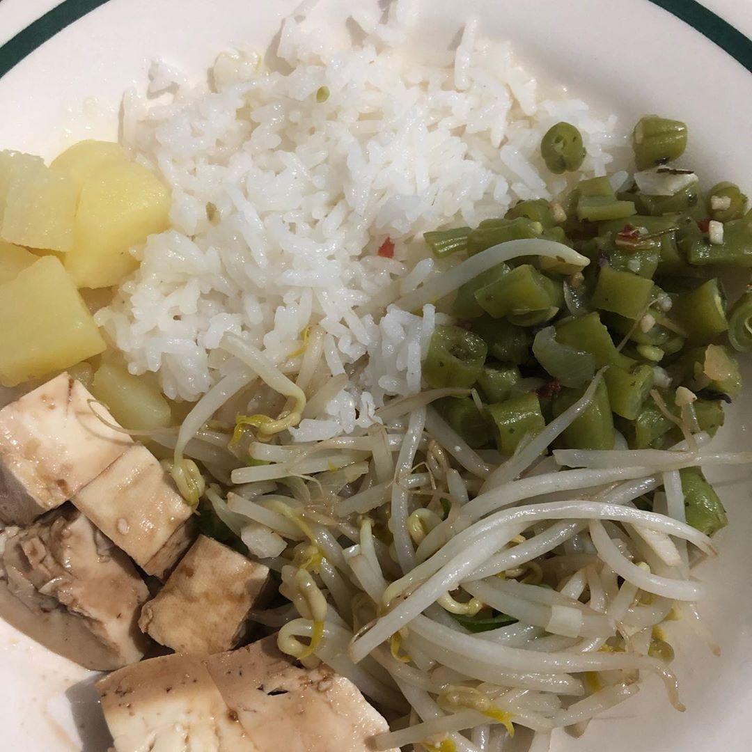 #tofu #brotodefeijao #vagem #batata #arroz #vegan #vegano #alimentacaovegana #comidasaudavel #fitnes...