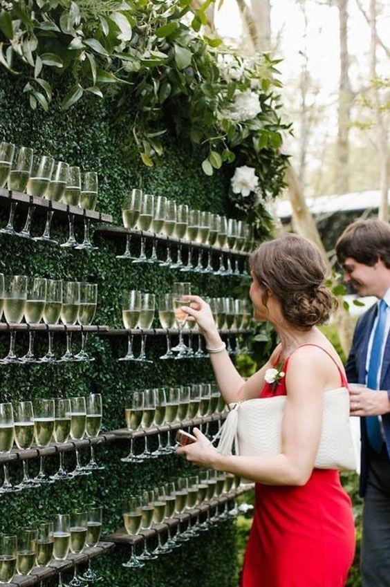wall-of-champagne-trend-wedding-2020 - # wallofchangingmarket2020 #backyardwedding