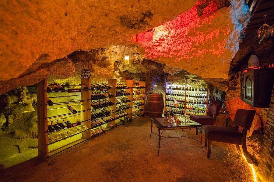 Alux Restaurant Bar And Lounge Cavern Restaurant In Playa