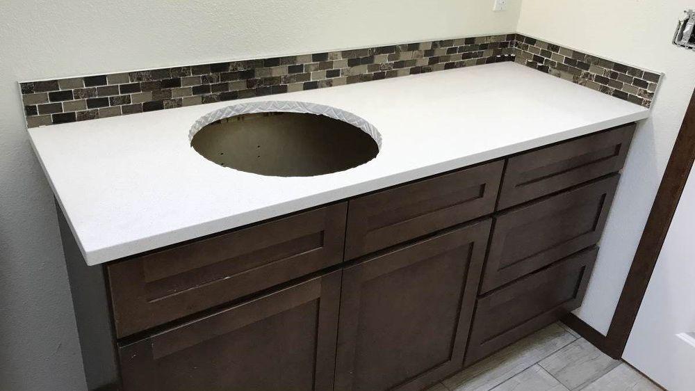 Quartz Taste On A Formica Budget Diy Bathroom Countertop Quartz Countertops Quartz Bathroom Countertops Diy Countertops