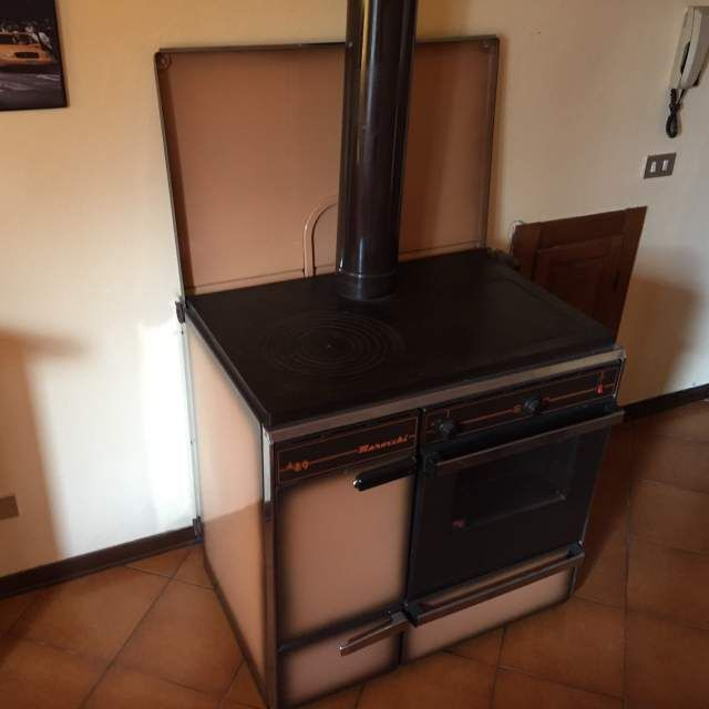 Stufa a legna cucina economica no gas forno no elettrico kitchen kitchen appliances oven lucca - Cucina economica a gas ...