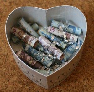 Pénzajándék-doboz Szív alakú