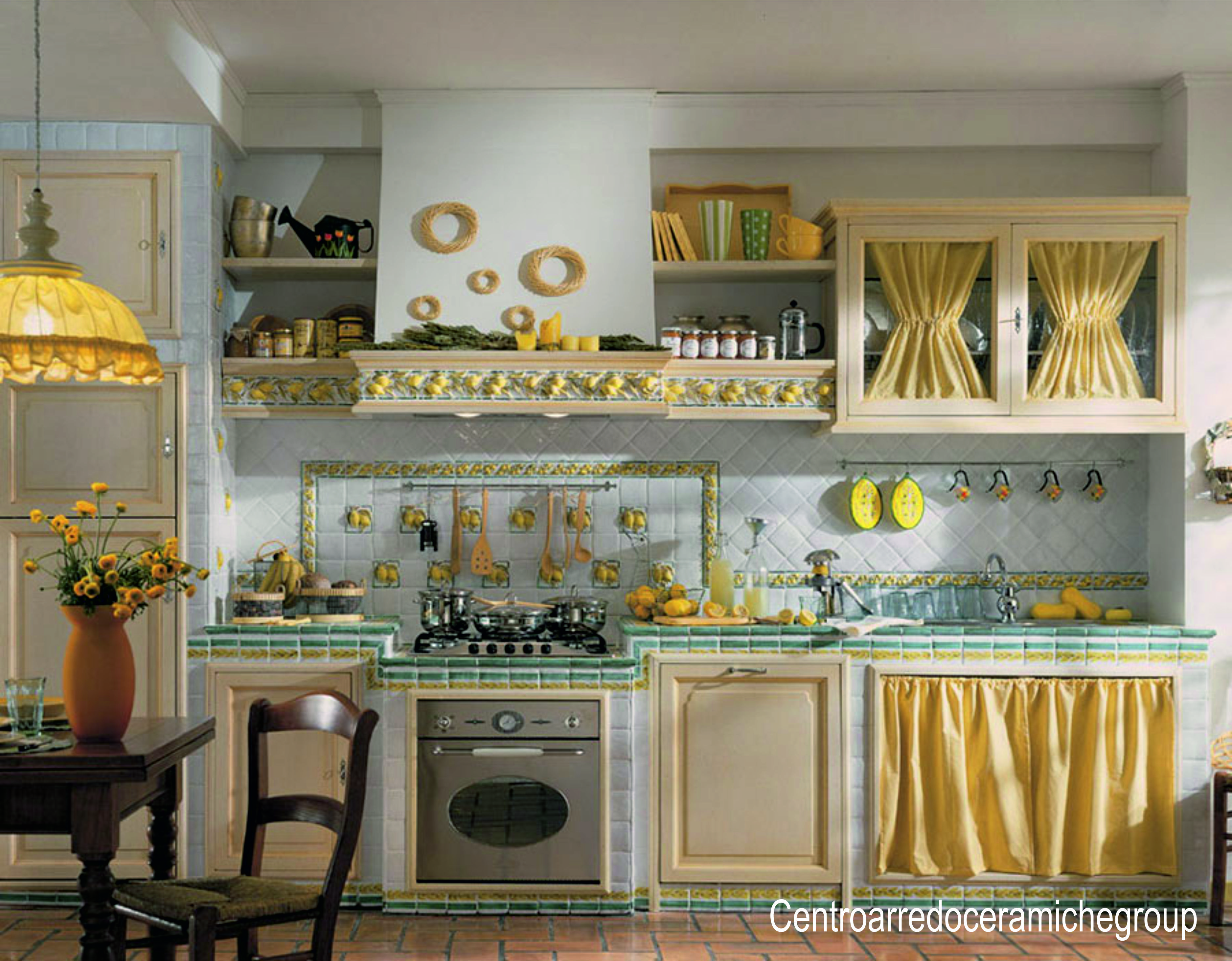 Cucine in muratura piastrelle di vietri idee creative di - Immagini cucine in muratura ...