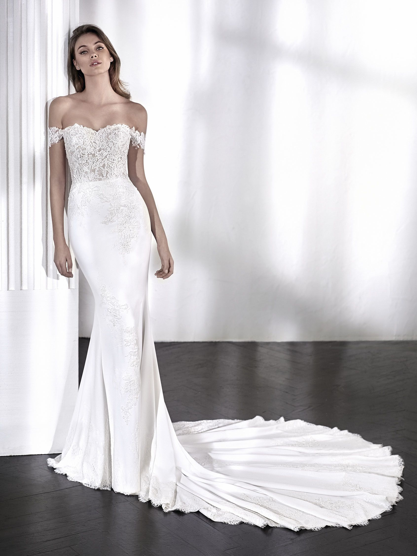 Pin By Something White Bridal Boutique On La Sposa Elegant