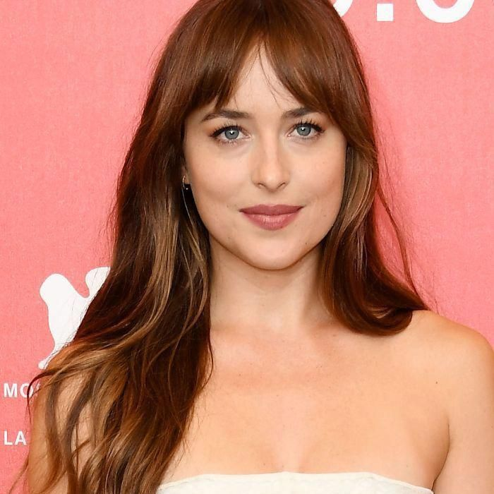 The No Fringe Fringe A Low Commitment Way To Do Bangs Hairstyles With Bangs Long Hair With Bangs Fringe Haircut