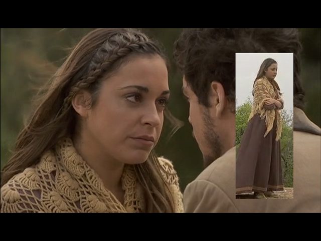 """El Secreto de Puente Viejo"" un tributo a crocheteras y tricotosas. Wonderful shawl in TV series."
