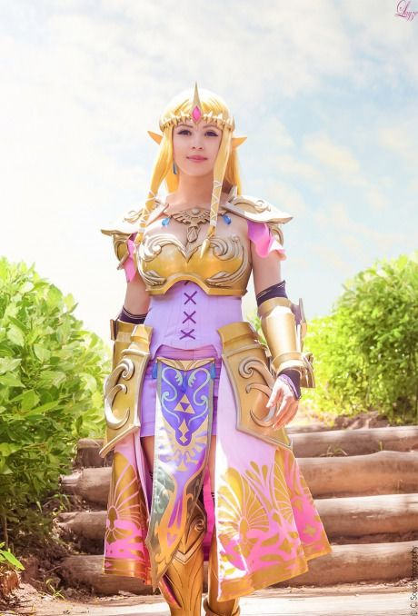 Hyrule Warriors - Queen Zelda by Layze Michelle