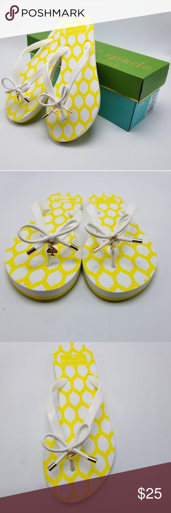 06bb43b537d NIB Kate Spade Nova Flip Flops Lemon Print Sandals NIB Kate Spade Nova Flip  Flops Lemon