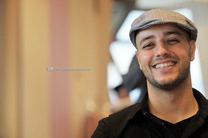 The Islamic Singer Maher Zain Isn T Just An Islamic Singer He S A Teacher We Inspired From His Story Of His Returning To Alla Maher Zain Role Models Believe