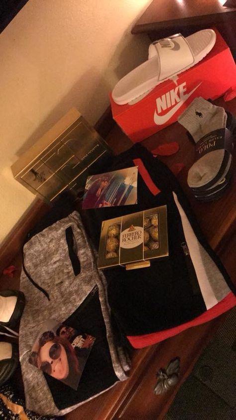 29 Trendy Gifts Baskets For Boyfriend Football #boyfriendgiftbasket 29 Trendy Gifts Baskets For Boyfriend Football #boyfriendgiftbasket