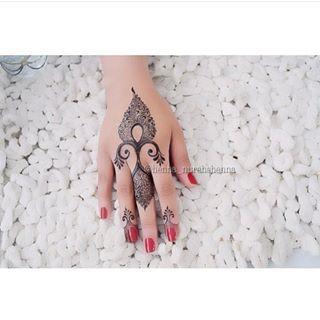 حناء Gala Alreem Instagram Photos And Videos Finger Henna Henna Henna Designs