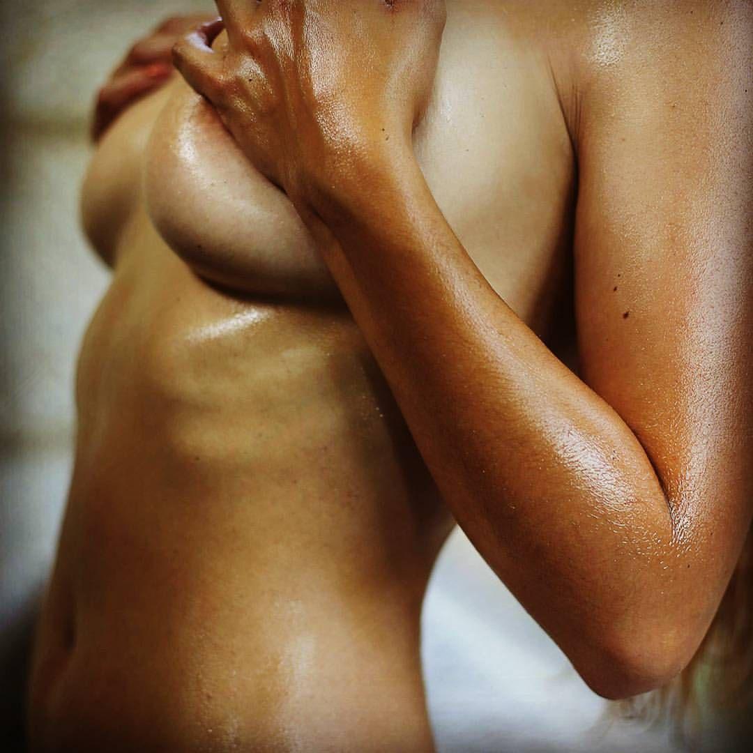 Massage Oiled 77