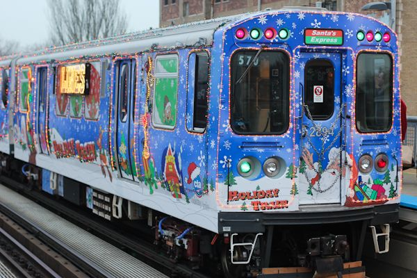 cta holiday train christmas in chicago