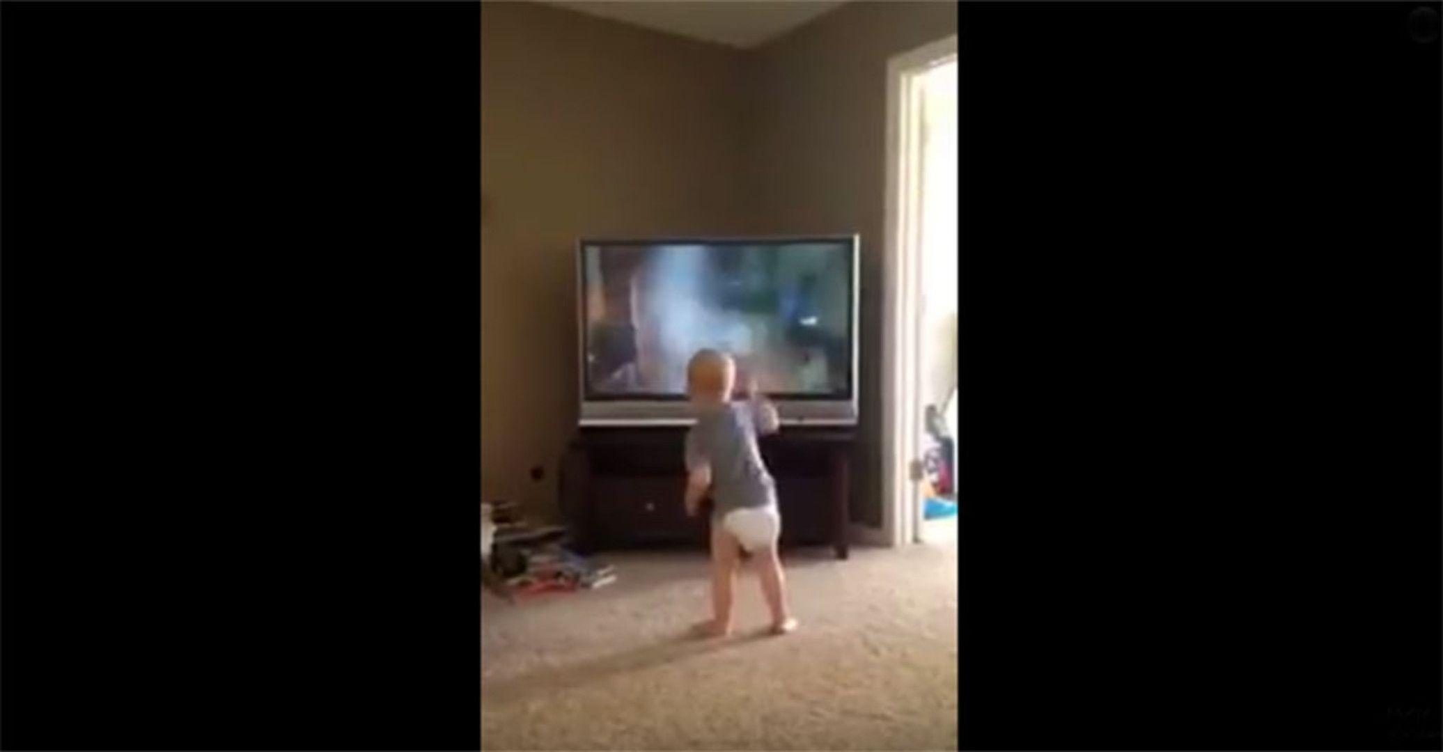 """Dieses Baby kennt """"Rocky""""-Film in- und auswendig! #News #Unterhaltung"""