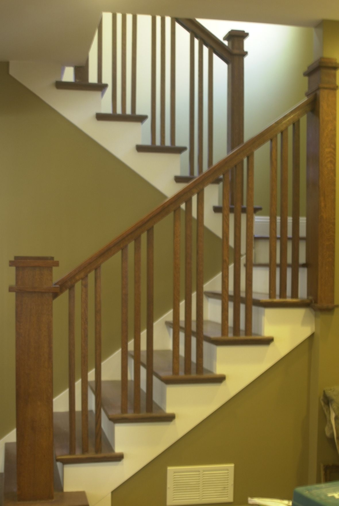 Craftsman stair railings flecktastic our craftsman for Style house styling iron