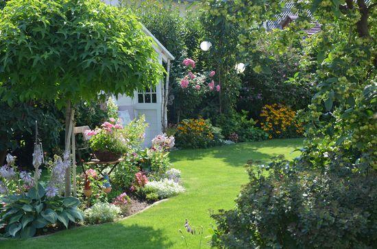 Pin Von Maria Vamosine Balogh Auf Kert Kerteszkedes Cottage Garten Garten Gartengestaltung