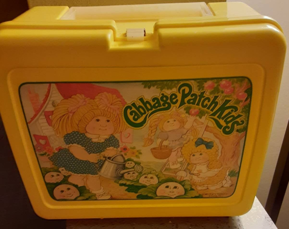 Vintage Plastic 1983 Cabbage Patch Kids Lunch Box Etsy Kids Lunchbox Kids Lunch Patch Kids