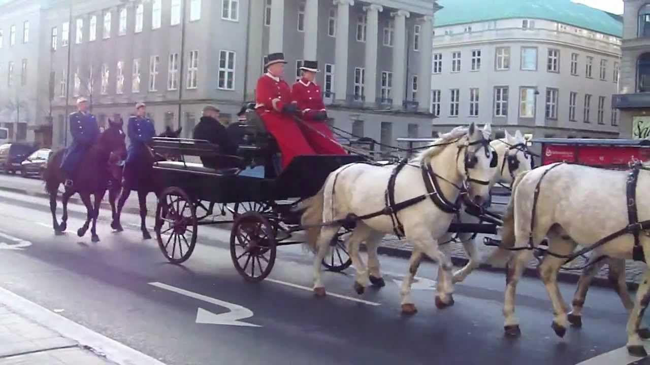 Heste i optog på Holmens Kanal