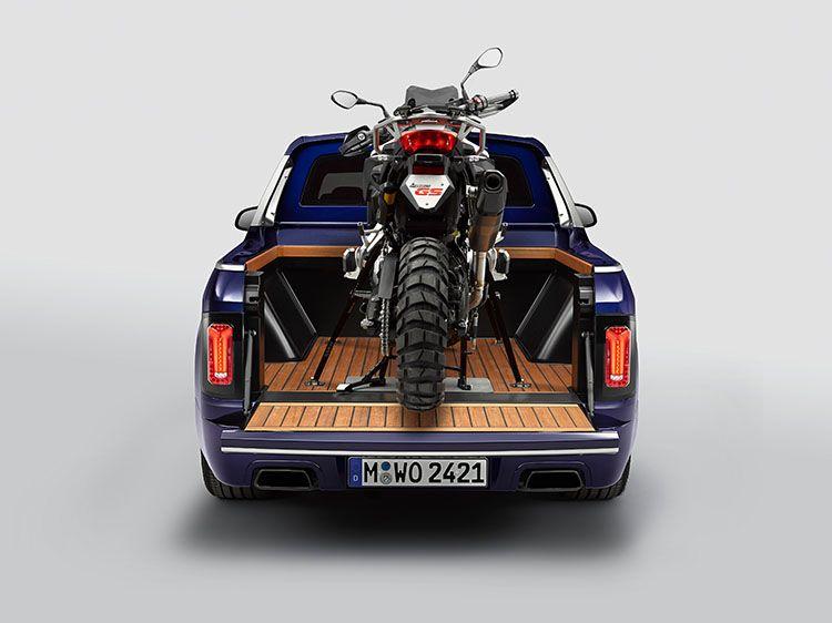 Bmw X7 Pick Up Unveiled At Bmw Motorrad Days Urdesignmag Bmw X7 Bmw Bmw Motorrad