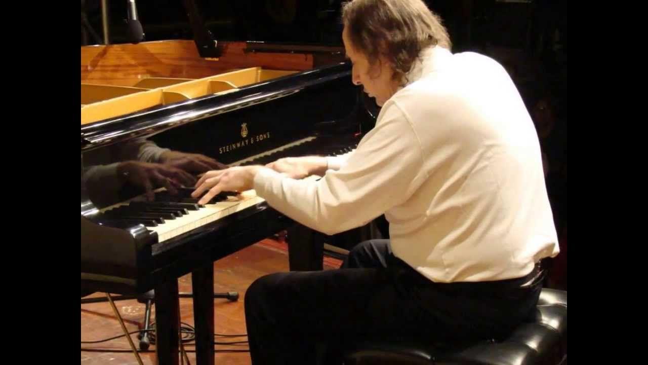 Radamés Gnattali. Brasiliana n. 8, para dois pianos. Arthur Moreira Lima, piano