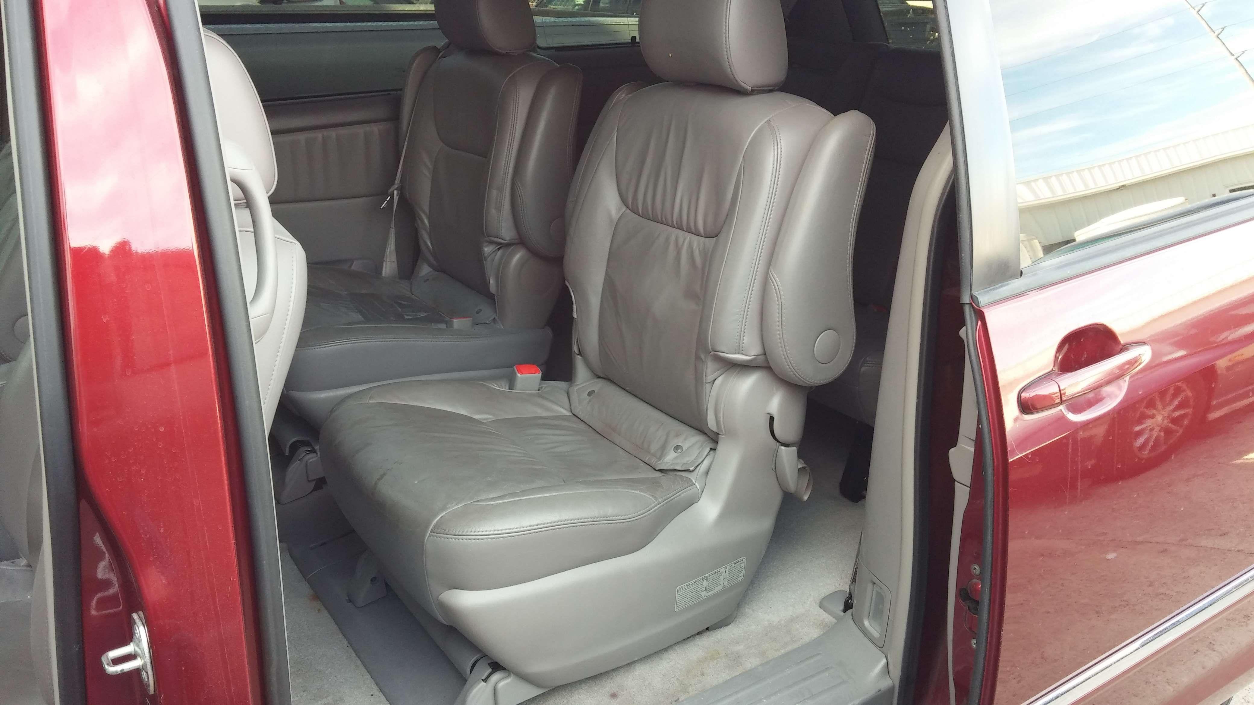 Pin On 2006 Toyota Sienna 10 500