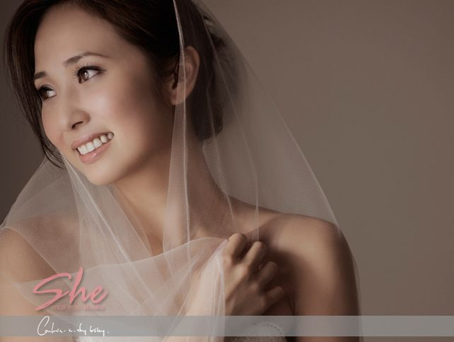 simple and elegant bridal hair and makeup makes the most beautiful bride