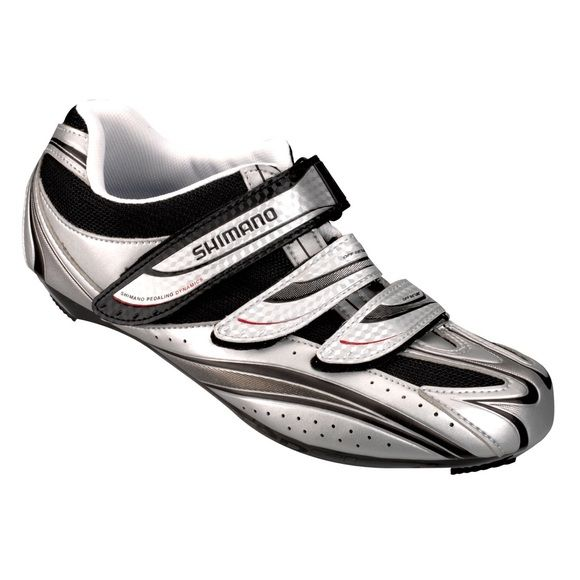 Shimano R077 MENS Cycling Shoes silver/black REDUCED PRICE Men's cycling shoes to be used for indoor and outdoor cycling. Red clips already attached to the bottom sole. Only used a dozen times not worn too much. MENS size 10.5 Shimano Shoes Athletic Shoes