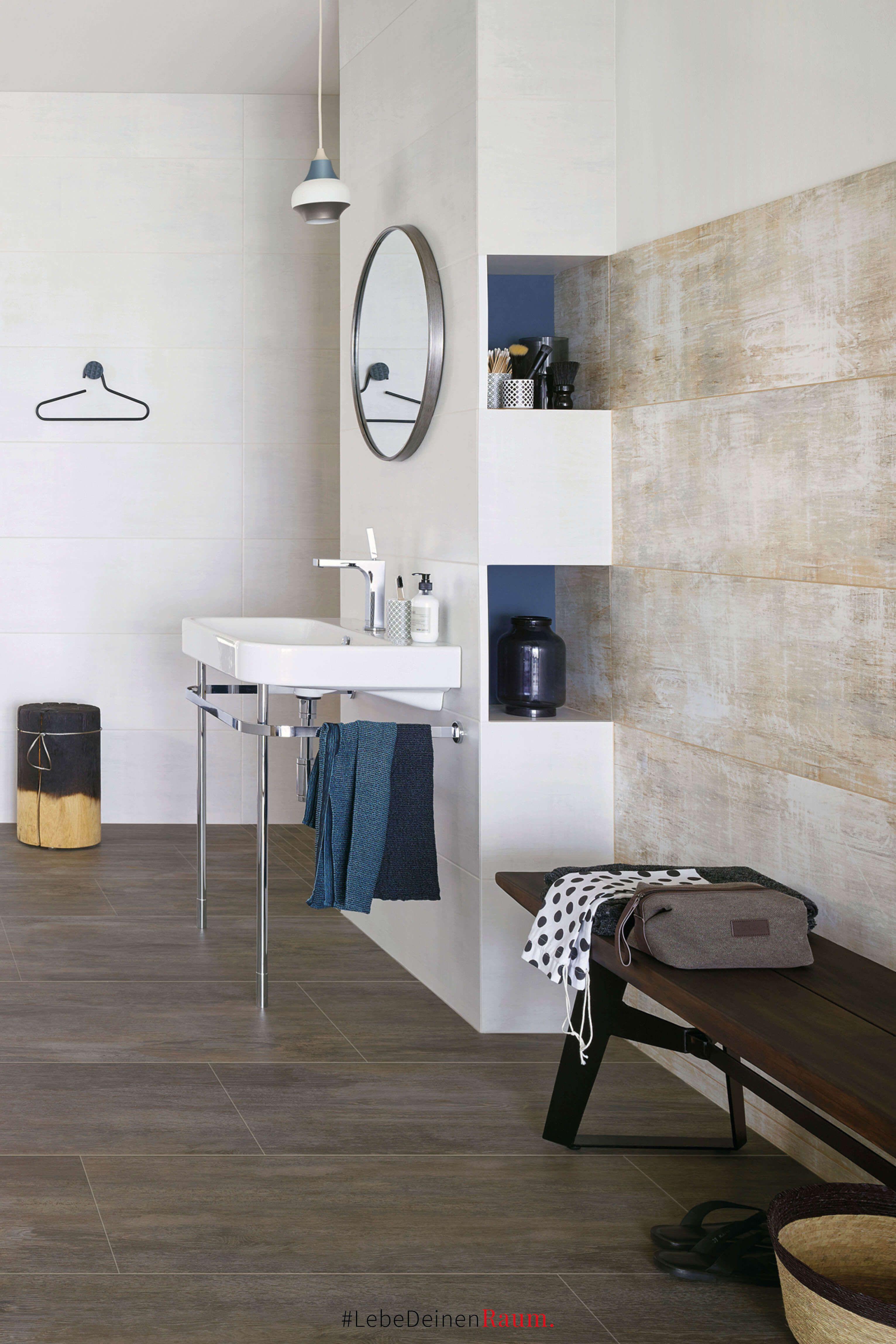Edle Holzoptik Und Malerisches Dekor Im Badezimmer Wie Gemalt