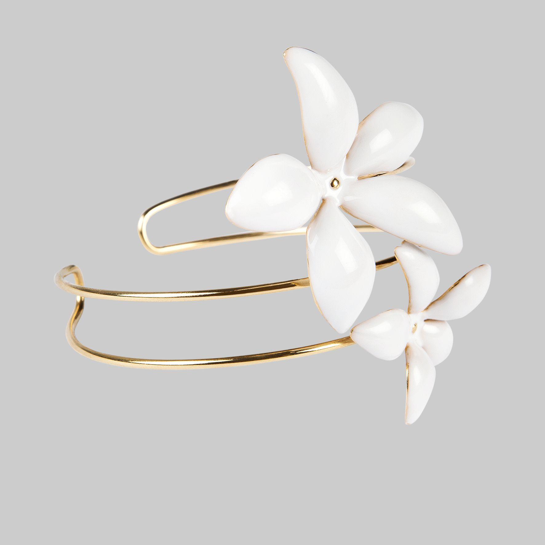 CH Carolina Herrera  Falling Jasmine  enamal double bracelet ... 43da6c507c