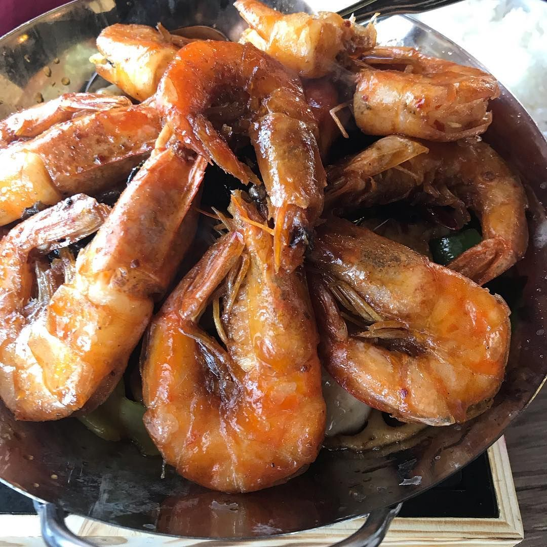 Chef Wang Chinese Restaurant Quietly Opened Its Doors At 356 E Grant Rd With A Massive 165 Dish Menu Grilled Shrimp Chinese Restaurant Eat
