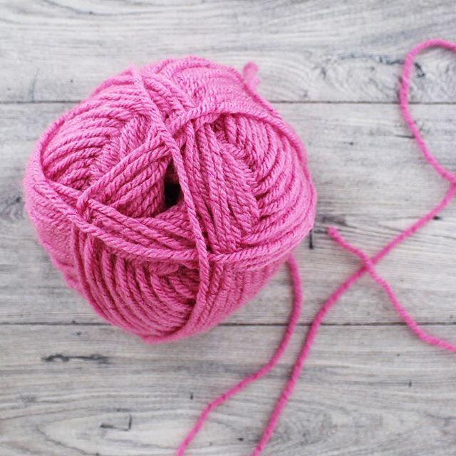 #justartspiration #knit #knitting #wool #yarn #blanket #crochetlove #knittinglove #knittingyarn #shawl #instaknit    #Regram via @theworksstores