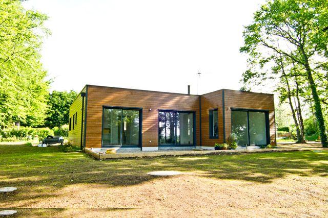 Maison niveau BBC à Bannalec (29) - Charpente, Menuiserie, Ossature - maison bois en kit toit plat