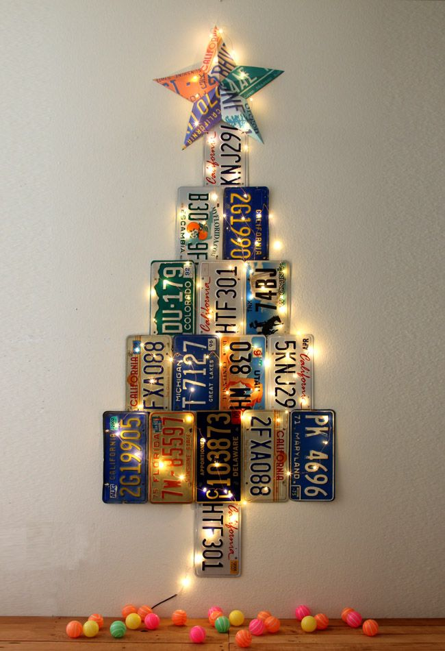 Make an uniquely gorgeous Christmas Tree from up-cycled license plates! Donu0027t have license plates? Make it out of paper with the free printables provided! & License Plate Christmas Tree | Pinterest | License plates Free ...