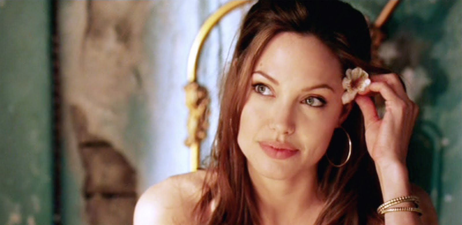 Angelina Jolie Mr And Mrs Smith Interview Pin By Yoana Damyanova On Angelina Jolie Angelina Jolie Angelina Jolie Images Angelina